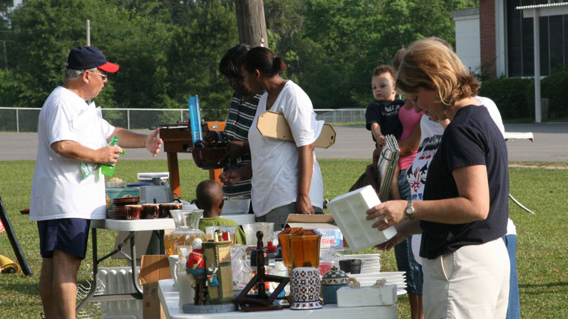 unemployment-yard-sales