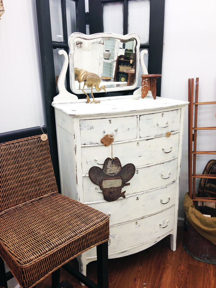 A Fab Furniture Flip using DecoArt Chalk Paint